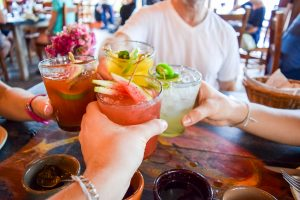 O consumo de álcool atrapalha no emagrecimento? | Bernardo Maia - Nutrição Eficiente